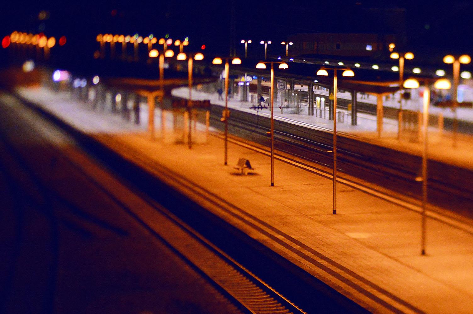 bahnsteig-durlach-nachts