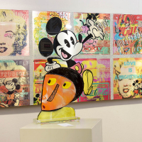 van-apple-mickey-mouse-marilyn
